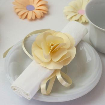 Szalvétadísz - pasztell sárga rózsa